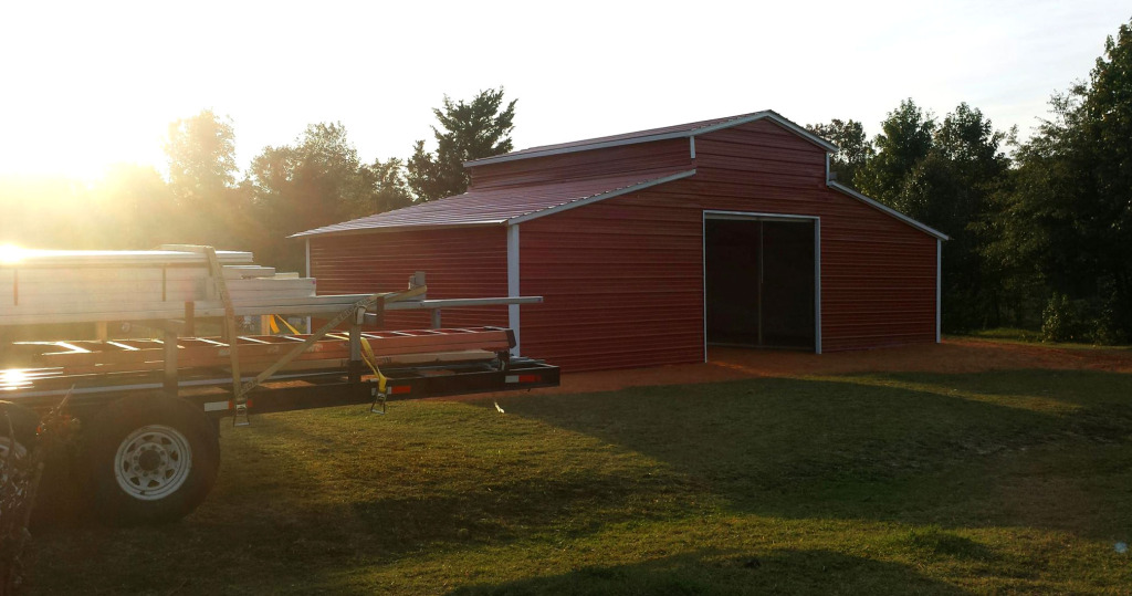 Metal barn construction complete, job well done.